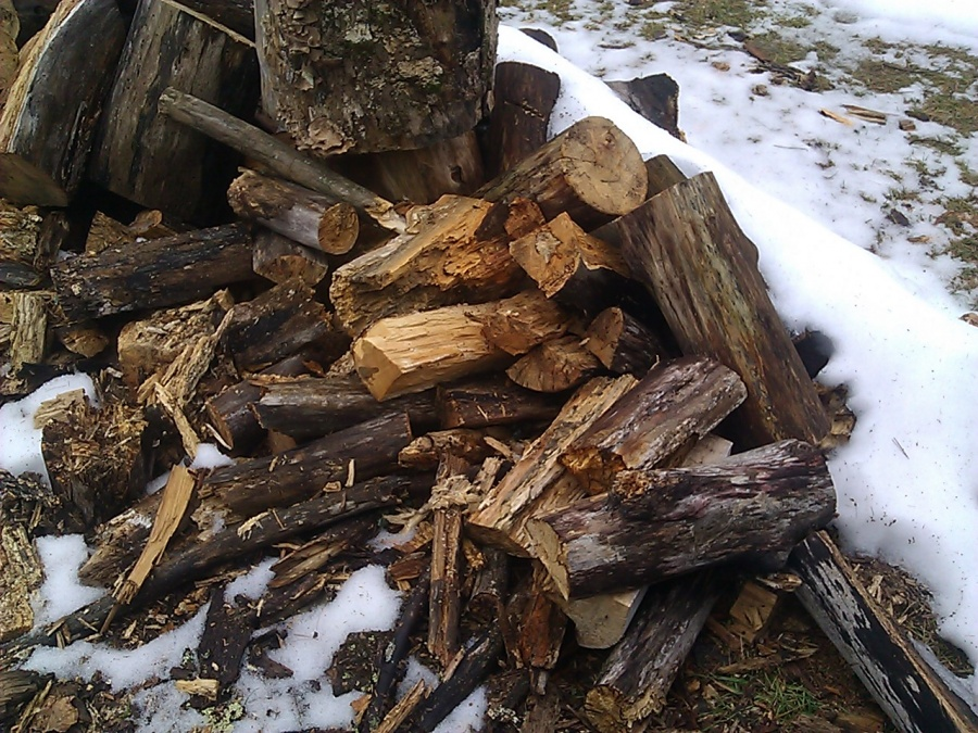 Stack that firewood